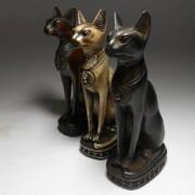 Статуэтки кошек – украшения или символы?