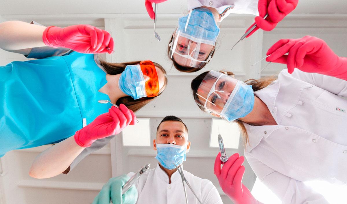 Что включает в себя стоматологическая помощь?